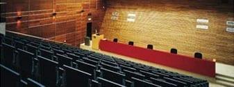 אוניברסיטת צ'ארלס - הפקולטה לרוקחות בראהדץ קרלובה ( צ'כיה)