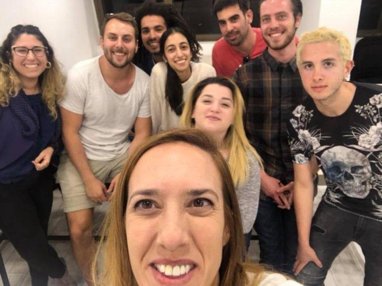 תמונה ספונטנית בסיום הלימודים של קבוצת הלימוד במכינה ללימודי רפואה MedStudy 2018